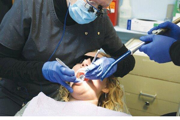 افزایش موارد ابتلا به دندان قروچه به خاطر استرسِ کرونا