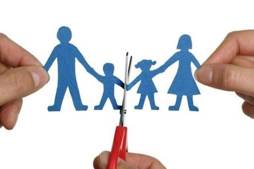 بررسی حضانت اطفال در حقوق، نفقه فرزندان در زمان جدایی با پدر است یا مادر؟